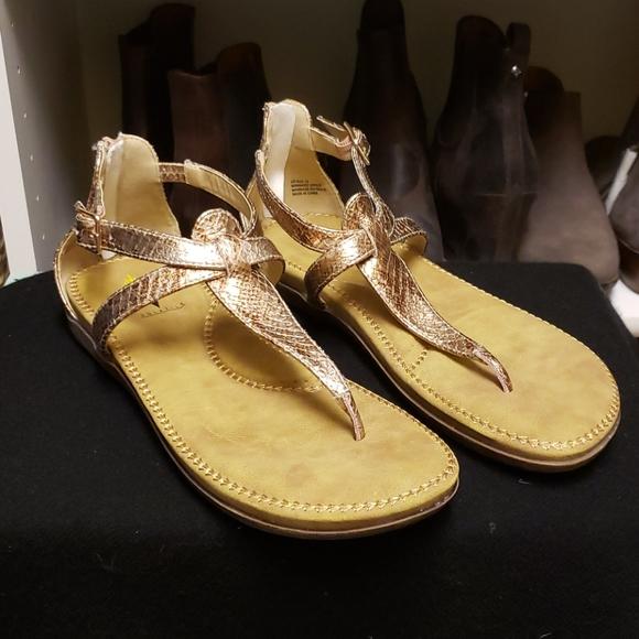 💥 sale Volatile Sandals